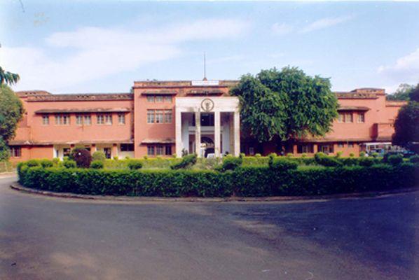 Gajara Raja Medical College